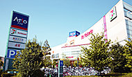アリオ亀有 T.約1,250m(徒歩16分) R.約1,160m(徒歩15分)