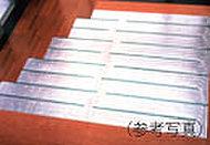 リビング・ダイニングには、東京ガス温水床暖房を採用。足元から心地よく室内を暖め、理想的といわれる『頭寒足熱』を実現する暖房システムです。