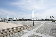 吉川美南駅前公園 約240m(徒歩3分)