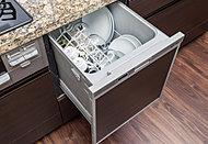 手間をかけず、効率よく食器類が洗浄でき、節水効果にも優れた食器洗い乾燥機をご用意しました。※30B、30Gタイプを除く。※参考写真