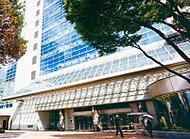中央図書館(文化会館たづくり内) 約290m(徒歩4分)
