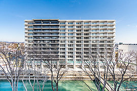 広瀬川を臨む全120邸、住宅・商業一体※1の大規模複合レジデンス。