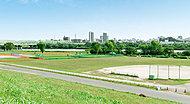 荒川運動公園 約1,080m(徒歩14分)