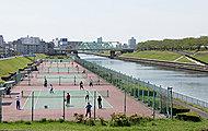 新河岸川庭球場 約1,060m(徒歩14分)