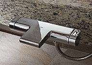 バスルームの水栓金具とシャワーヘッドは、世界有数のメーカー、ドイツ・グローエ社製を採用しました。