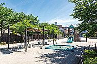 定塚橋公園 約730m(徒歩10分)