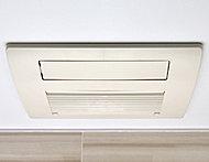 予備暖房・雨の日の洗濯物の乾燥等にも重宝する24時間換気機能付