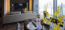 ※掲載写真はI2タイプ(709号室)を撮影したもので、タイプにより室内の形状・色彩・仕様等は異なります。  また、一部オプション仕様(有料)が含まれている他、家具・備品等に関しては配置例を示したもので販売価格には含まれません。