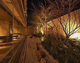 伏見の美意識を織り込んだ「指月の庭」。