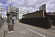 バス停「市民会館前」 約10m(徒歩1分)