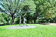 西公園 約110m(徒歩2分)