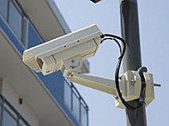 共用スペースに侵入抑制効果等を高めるための防犯カメラ10台(エレベータ内を除く)を設置しています。