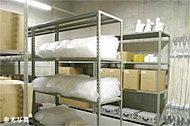 非常時の備えとして、防災備蓄倉庫を共用部に設置。※掲載の写真は当物件のものではありません。※防災備品の補充・維持管理は管理組合が行います