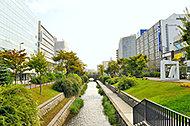 創成川公園 約300m(徒歩4分)