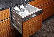 生ゴミを粉砕し、水で流せるディスポーザーを採用。ニオイや汚れを減らし、清潔で快適なキッチンを実現します。