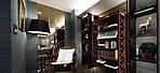 智を磨き嗜み興じる、書斎での静謐。