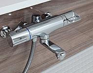 設定温度に湯水の混合量を調節。熱くなったり冷たくなったりすることなく、お湯の温度が安定します。