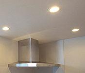 専有部の照明にLEDを採用しました。消費電力を抑えるとともに、長寿命化もかなえる照明です。※一部除く。