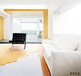 空間を足元から暖める床暖房をリビング・ダイニングに設置。ホコリを舞い上げることがないため、クリーンな室内環境を保ちます。