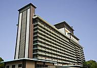 ホテルオークラ東京 約950m(徒歩12分)