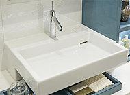 プレミアスイートの手洗いボウルはアメリカ・コーラー社製。