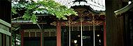 赤坂氷川神社 約410m(徒歩6分)(2016年6月撮影)