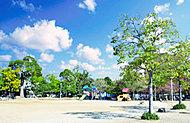 高木公園 約200m(徒歩3分)