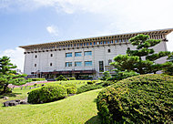 名古屋市博物館 約1,170m(徒歩15分)