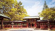 根津神社 約120m(徒歩2分)(2016年4月撮影)