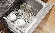 高温洗浄で油汚れもすっきり落とせます。家事の負担を軽減し、手洗いに比べて節水にも配慮しています。