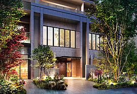 緑や石のゲートが誘う、優雅で格調高いエントランス。商業施設が連なる広々としたオープンスペースを描き出す計画だからこそ、その一画に佇むエントランスには、住まいの導入部としての存在感が際立つデザインを追求しました。