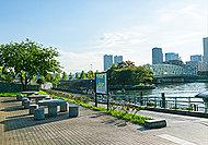 越中島公園 A:約870m(徒歩11分)B:約970m(徒歩13分)