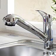 ホース引き出し式なので、シンクや大きな鍋を洗う際も便利です。