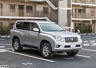 敷地内に平置き駐車場115台分のスペースをご用意しております。