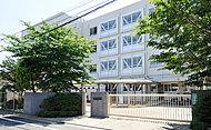 世田谷区立中央図書館 約660m(徒歩9分)