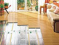 ガス温水式床暖房をリビング・ダイニングに設置。温風でハウスダストを巻き上げることなく、足元から室内全体をクリーンに温めます。