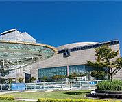 愛知芸術文化センター 約1,820m(徒歩23分)