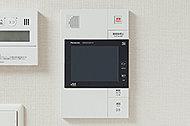 来訪者を声と画像で確認でき、さらに、訪問者録画・録音機能付き。