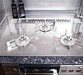 ドイツ・SCHOTT社製のエコフレンドリーガラスを使ったリンナイの「DELICIA」を採用。見た目に美しく、お手入れもしやすい仕様です。