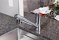 水栓は蛇口と浄水器が一体となったタイプを採用。※カートリッジの交換時は別途費用が発生します。
