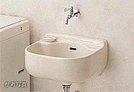 ガーデニングや掃除の際に便利なスロップシンク(散水栓)を設置しています。※スロップシンクはテラス付住戸のみ・散水栓はルーフバルコニー住戸のみ