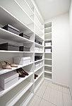 靴だけでなく、レジャー用品などもしまうことができるシューズインクロゼット。玄関まわりの整頓にも役立ちます。※A・I・Kタイプ