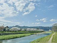 賀茂川(鴨川) 約50m(徒歩1分)
