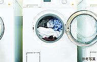 ふとんが洗える大型のランドリーやスニーカーの洗濯・乾燥機などを備えています。