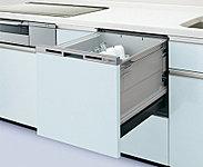 家事の手間を軽減する食器洗浄乾燥機を標準装備。家族の団らんを邪魔しない低運転音で耳障りな高音域をこもらせる工夫もしています。※参考写真