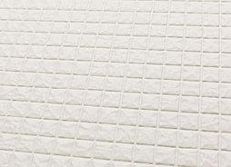 滑りにくく乾きやすいカラリ床を採用。汚れ残りも少なく、カビの発生も抑えます。