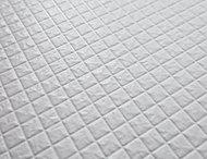 水はけがよく、乾きやすいカラリ床。汚れを残しにくくお手入れも簡単で、滑りにくい加工も施してあります。