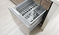 面倒な後片付けの手間を減らす便利な食器洗い乾燥機を標準装備しています。
