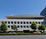 カナダ大使館 約180m(徒歩3分)