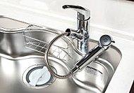 浄水器とシャワー水栓が一体となっているので場所をとりません。また、手元切替スイッチが付いています。